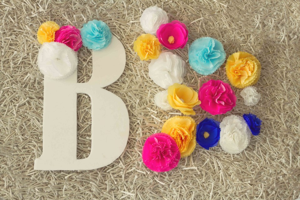 DIY-sibebo-paper-flower-monogram-for-livingloving-8