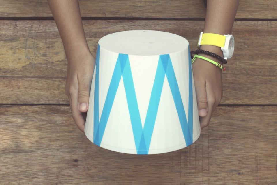 DIY-contributor-masking-tape-lamp-hertiana-3