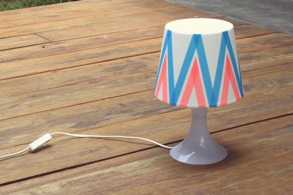 DIY-contributor-masking-tape-lamp-hertiana-6