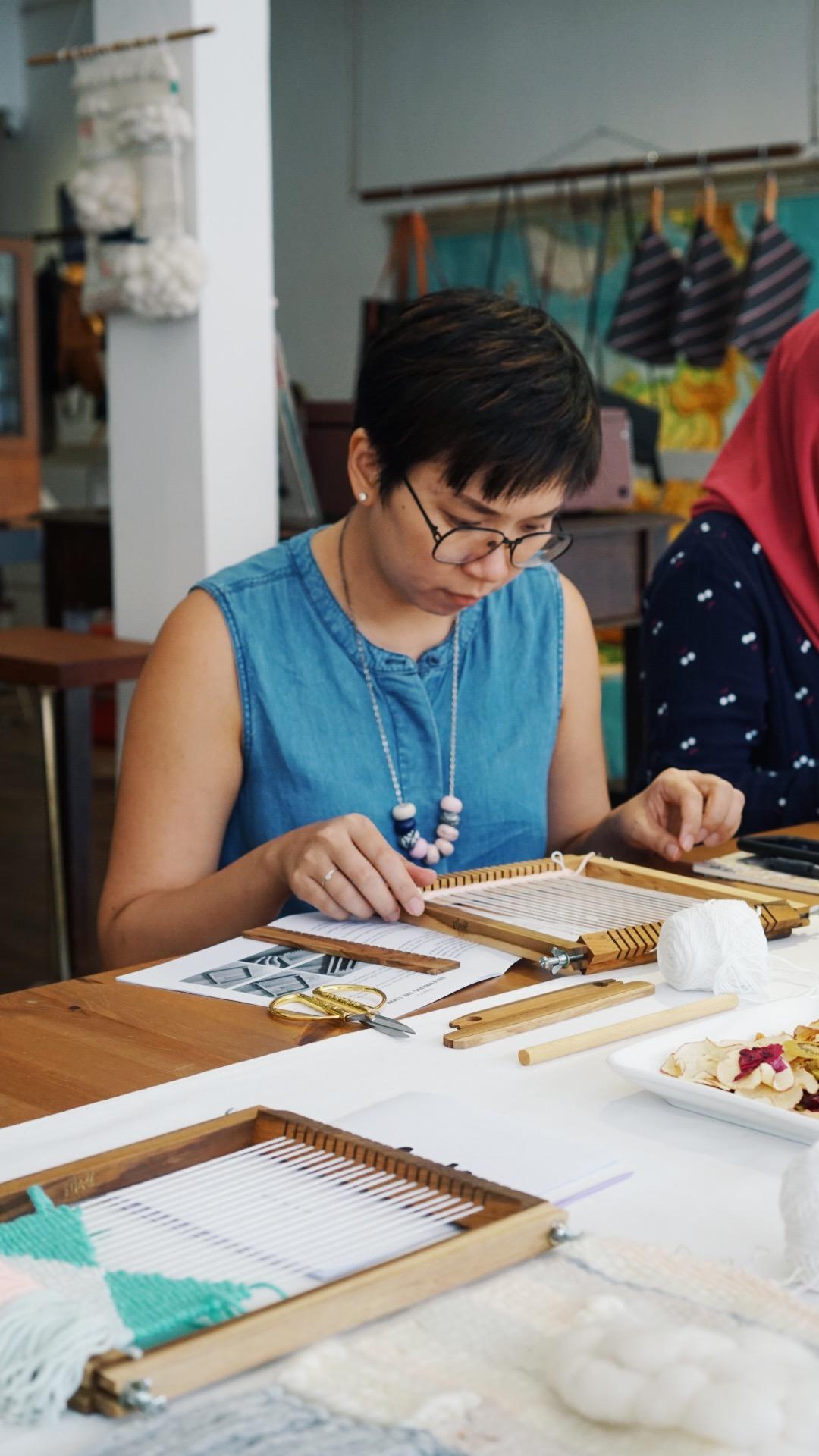 event-weaving-session-snackfood-kuala-lumpur-living-loving